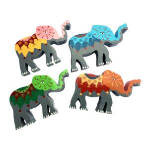 Elefanter i tre - fire ulike