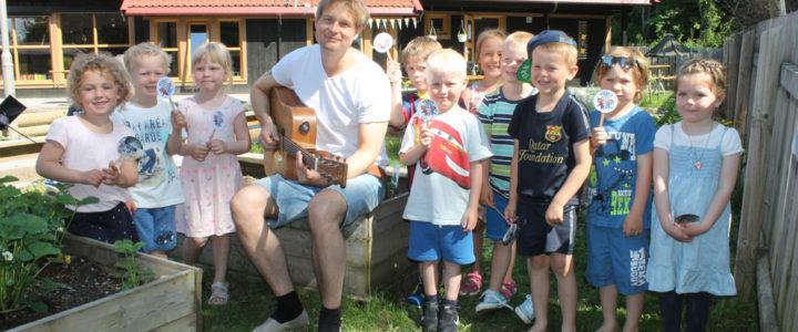 Gaute Ormåsen med musikk for barn!