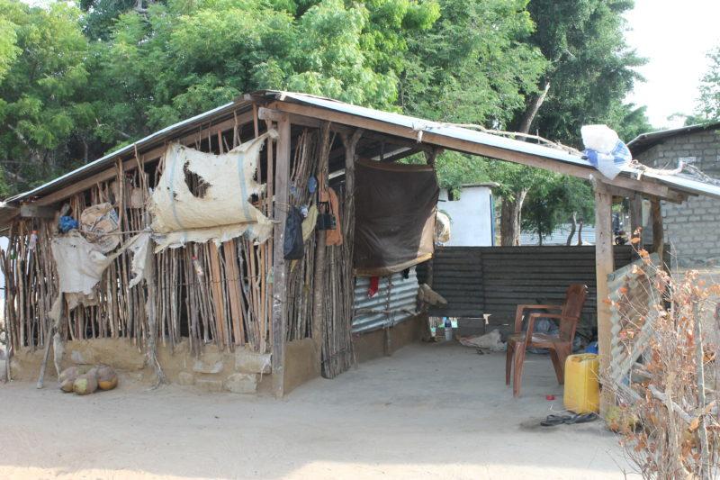 Tidligere hus for en flyktningefamilie nord på Sri Lanka. Familien som bodde her har nylig flyttet inn i et nytt hus tilsvarende det Sandefjord vgs nå bidrar til.